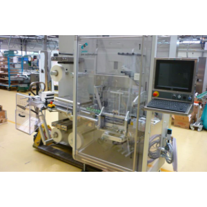 Stretch wrapping machine for single or multiple packages using PE film