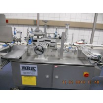 BBK fully automatic self-adhesive labelling machine for stable cylindrical containers
